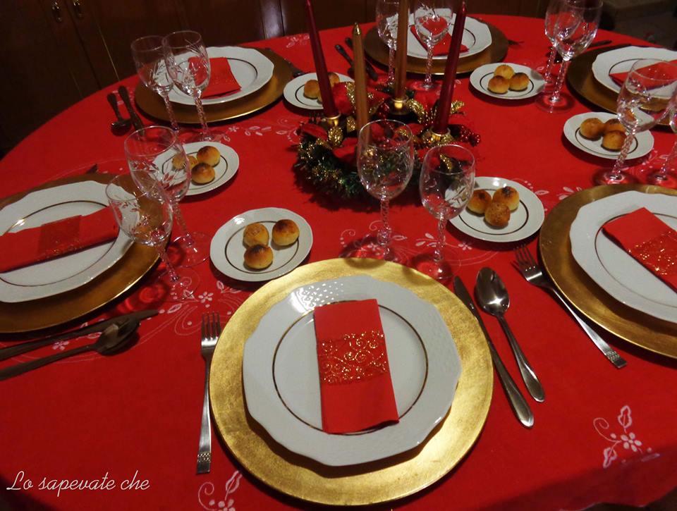 Come apparecchiare la tavola di natale lo sapevate che - Disposizione bicchieri a tavola ...